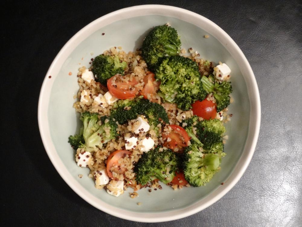 Quinoa-Bulgur Broccoli Feta Style